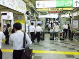電車の改札