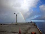 御蔵島港 虹