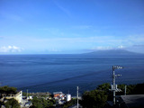 御蔵島より三宅島を望む