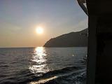 御蔵島の朝日