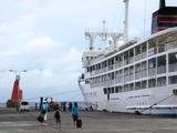 御蔵島港朝船就航