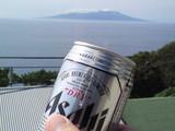 三宅島を見ながらビール