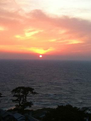 御蔵島の夕日