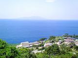 御蔵島から三宅島を望む