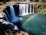 原尻の滝に虹