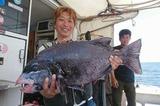 高橋祐次さんが釣った74センチの口白イシダイ