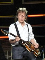 250px-Paul_McCartney_live_in_Dublin