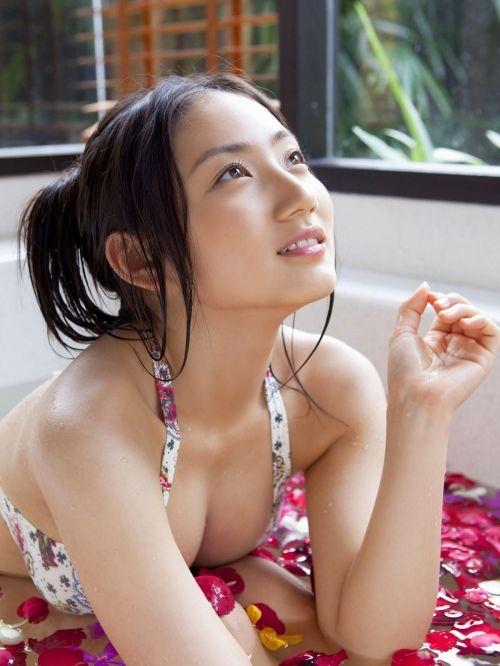 紗綾のGカップを改めて評価するエロ画像!これぞ天下を取った奇跡の身体www