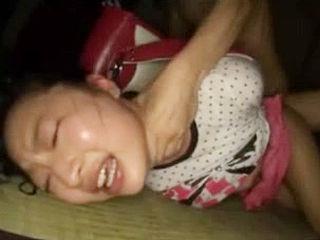 ランドセル背負った少○生を変態コンビが拘束・レイプ調教映像!