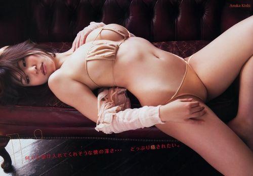 コカドに吸いまくられたGカップ!グラドル岸明日香のエロ画像でジェラシー自慰www