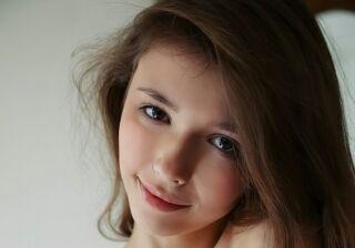 ウクライナの顔100点、体100点のAV女優。こんなのとセ○クスできたら死んでもいいわ
