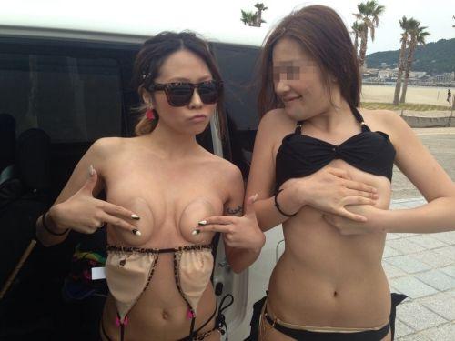 日本若者の性の乱れを象徴するサマーシーズンの素人水着エロ画像!痴女大集合www