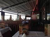 円形ショッピングセンター屋上のイタリアンレストラン