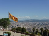 カタルーニャの旗とバルセロナ