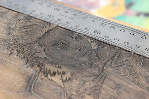 骨板 顔 のコピー