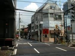 神泉駅と現場