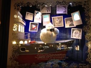 サックス・フィフス・アベニューのクリスマス・ショーウィンドウ2013
