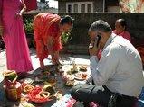 忙しいネパール人