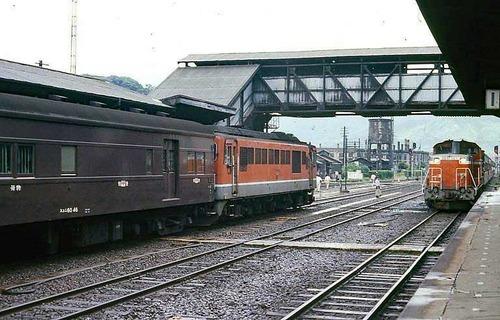 【画像】昭和時代の鉄道って何とも言えない雰囲気があっていいよねwwwwwwww