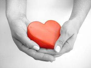 883209_heart_in_the_hand
