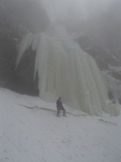 右側壁の氷瀑