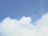 梅雨の晴れ間青空