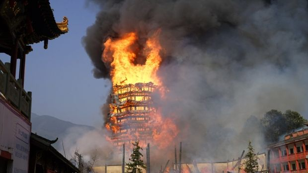韓国人「中国人号泣…四川省にあるアジアで最も高い木製の塔が焼失」