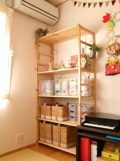 こども部屋でおもちゃ収納に使用している、無印良品の『パイン材ユニットシェルフ』。 最近そこに収納している息子のおもちゃが増えてきたので、