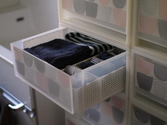 ウチでは衣類の収納に、無印良品のポリプロピレンのケースを愛用しています。