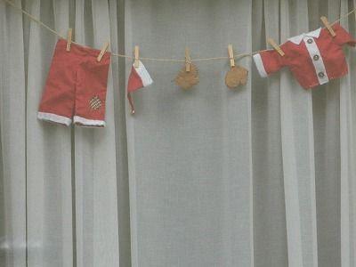 033-santas-clothes