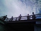 江ノ島大橋から眺める女の子02