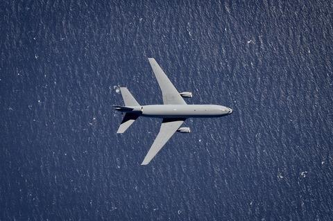 aircraft-3777078_1280