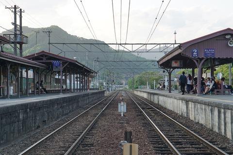 track-1891873_1280