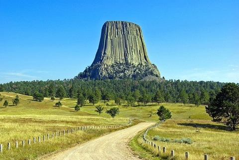 wyomings-devils-tower-3915790_640