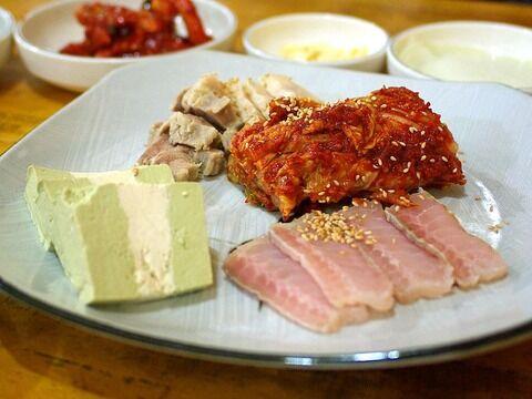 800px-Korean_cuisine-Samhap-01
