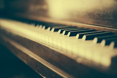 piano-349928_640