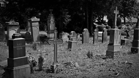 cemetery-1538646_1280-1024x576
