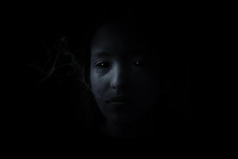 dark-4206362_640