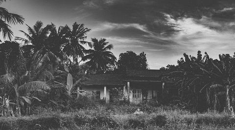 abandoned-house-4932176_640