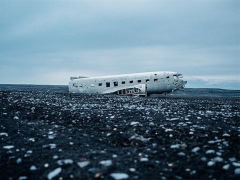 airplane-crash-569351_640