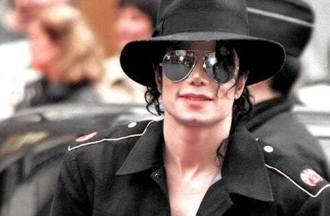 MJ-peace-for-michael-jackson-20666380-1165-1280