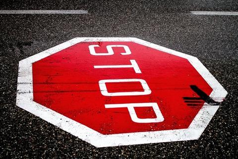 stop-2660762_960_720