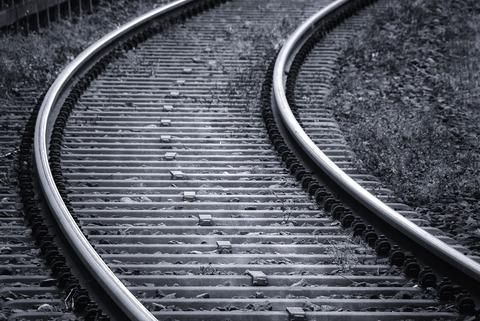 rails-3703349_1280