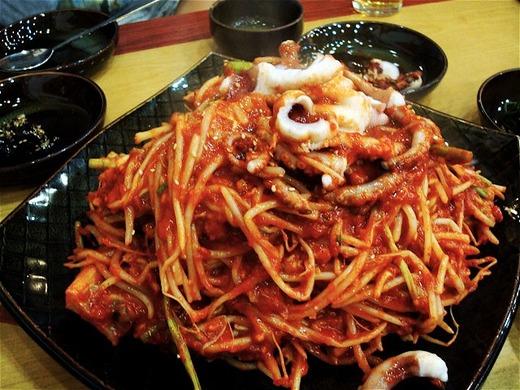 韓国料理・激辛選 アグチム(あんこうの蒸し炒め)