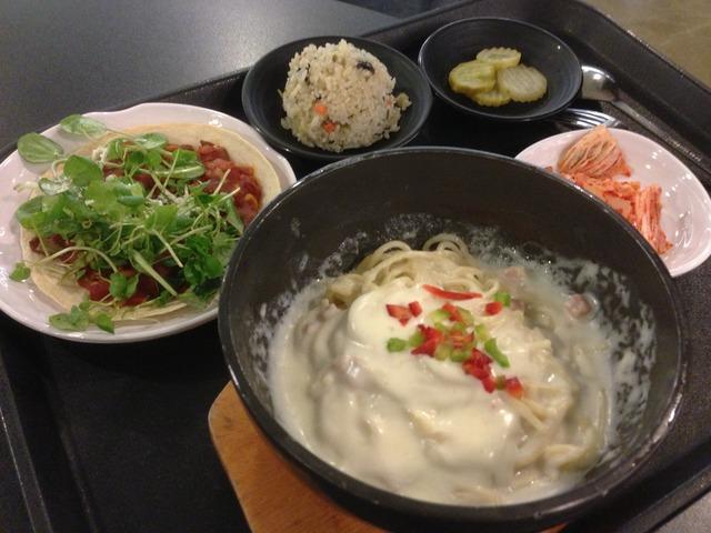 韓国社食日誌 : クリームパスタと手作りミニピザ
