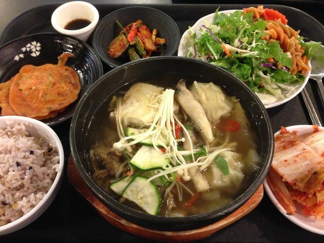 韓国社食日誌 : 牛とキノコのしゃぶしゃぶ風
