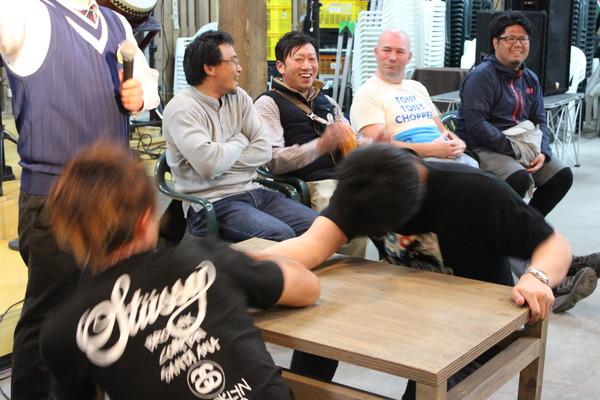 増毛 腕相撲大会