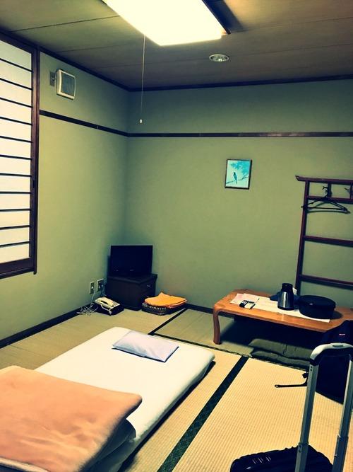 ホテルの小部屋・その1