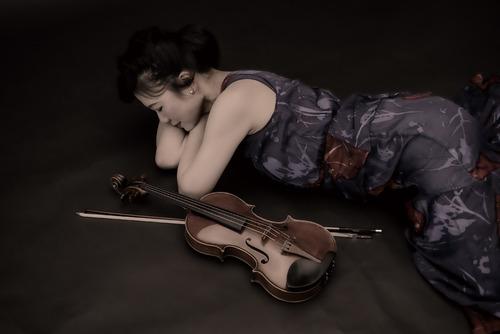 Nariko & violin