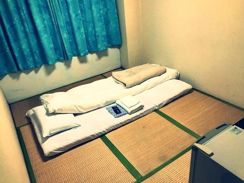 ホテルの小部屋・その2